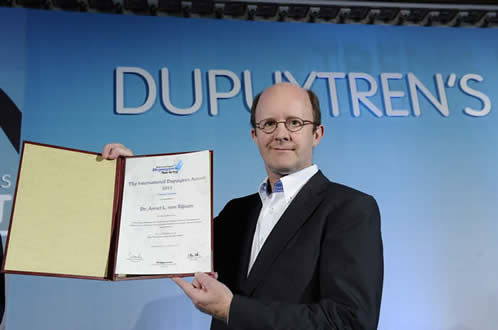 Prof. Paul Werker, co-author, receiving the 2013 Dupuytren Award for Clinical Research at the Dupuytren's Summit in Vienna