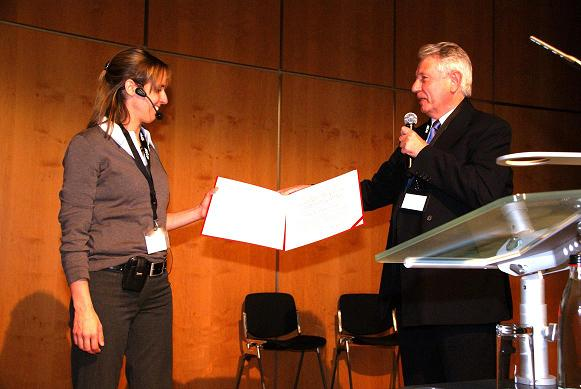 Presentation of the International Dupuytren Award 2010 to Prof. Ilse Degreef at the DGH conference in Nuremberg